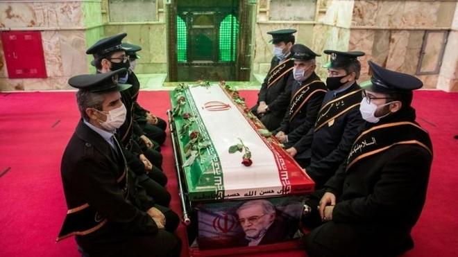 Iran yêu cầu Interpol bắt giữ 4 nghi phạm ám sát nhà khoa học hạt nhân ảnh 1