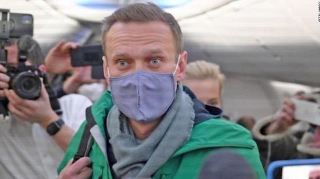 Alexei Navalny bị bắt giữ tại sân bay ở Matxcơva khi trở về Nga ảnh 1