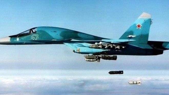 Không quân Nga tiếp tục dội bom càn quét IS ở miền Trung Syria ảnh 1