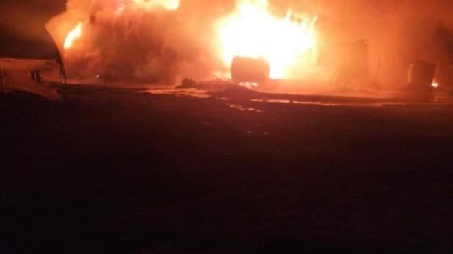 UAV Nga tấn công phá hủy kho dầu lớn nhất của phiến binh ở Tây Bắc Syria? ảnh 1