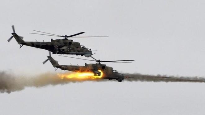 Trực thăng Nga truy đuổi đến cùng phiến quân IS ở miền Trung Syria ảnh 1