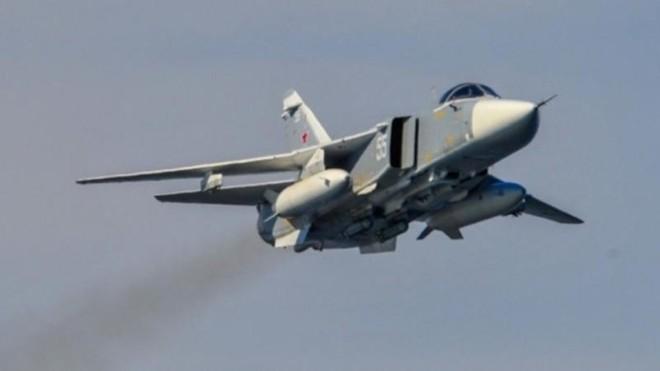 Su-24 Nga dội bom phá hủy căn cứ, tiêu diệt hàng trăm tên khủng bố Chechnya ảnh 1