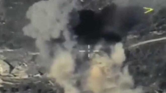 Không quân Nga dội bom phá hủy căn cứ bí mật của HTS ở Bắc Syria ảnh 1