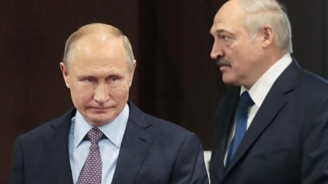 Tổng thống Belarus muốn mượn tiền Nga, nhưng từ chối công nhận Crimea? ảnh 1