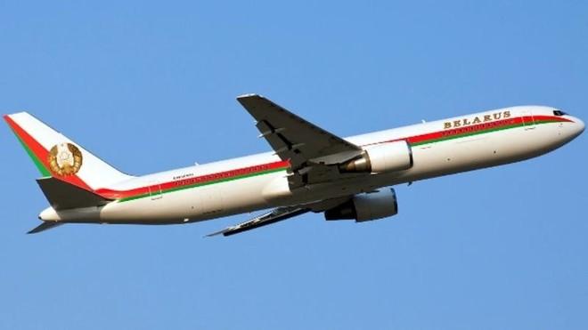 Ukraine không để cho máy bay chở Tổng thống Belarus tiến vào không phận ảnh 1