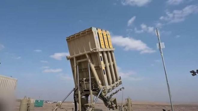 Israel hoàn tất nâng cấp hệ thống Vòm Sắt có thể tiêu diệt cùng lúc tên lửa và UAV ảnh 1