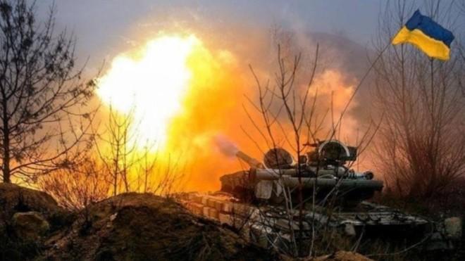 Ukraine dùng nhiều loại vũ khí tấn công mạnh mẽ vào lực lượng DPR ở Donbass ảnh 1