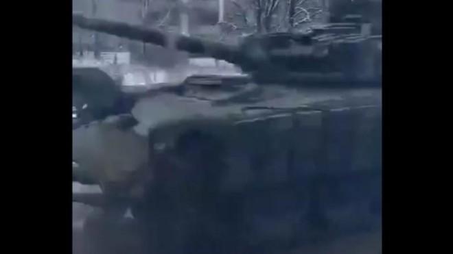 DPR triển khai hàng chục xe tăng ở Horlivka, sẵn sàng đáp trả Ukraine ảnh 1