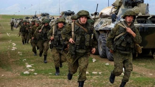 Hàng chục tiểu đoàn tác chiến Nga áp sát biên giới Ukraine ảnh 1