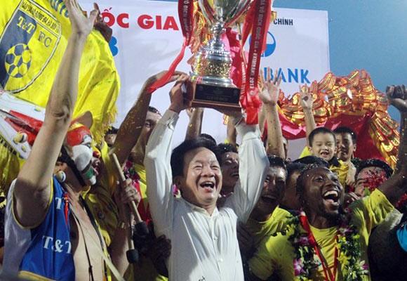 Chủ tịch FIFA S.Blatter chúc mừng Nhà vô địch V-League 2013 ảnh 1