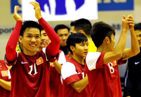 Việt Nam hạ đo ván Myanmar tại giải Futsal Đông Nam Á 2014 ảnh 1