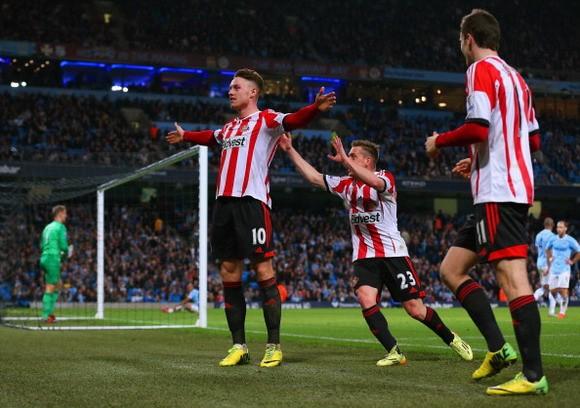 Man City 2-2 Sunderland: Ngôi vương xa dần ảnh 2