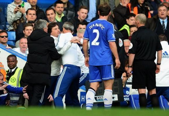 Bộ ba của Chelsea đối mặt án phạt từ FA ảnh 1