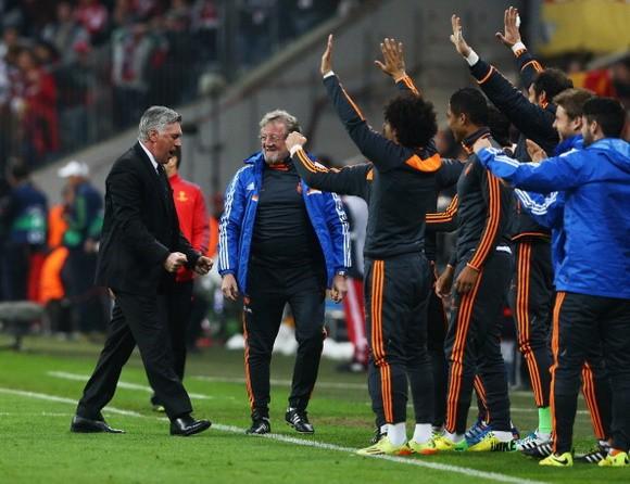 Thảm bại 0-4, Bayern cúi đầu rời Champions League ảnh 3