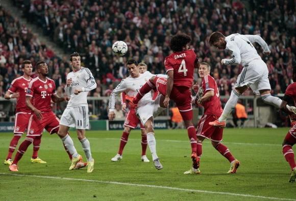 Thảm bại 0-4, Bayern cúi đầu rời Champions League ảnh 1