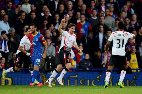 Hòa đau đớn, Liverpool dâng chức vô địch cho Man City ảnh 1