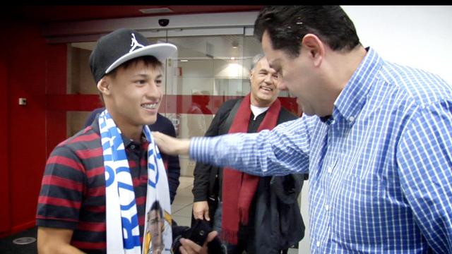 Santos sang Việt Nam: Không còn Neymar, đã có Neilton! ảnh 2