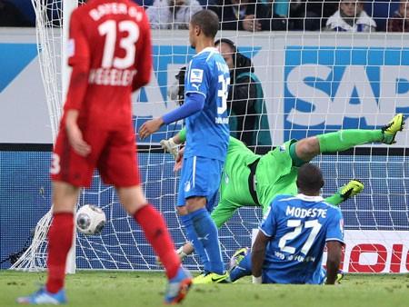 """Kỳ dị bàn thắng """"ma"""" của Leverkusen ảnh 4"""