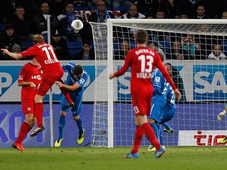 """Kỳ dị bàn thắng """"ma"""" của Leverkusen ảnh 1"""
