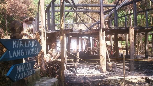 Đỏ hoen khóe mắt, tận nhìn nhà Lang người Mường sau cháy ảnh 6
