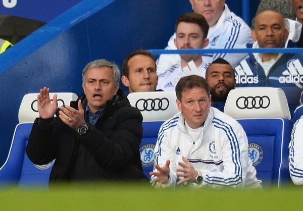 Chelsea thua đau, Mourinho lại phát ngôn khác người ảnh 1