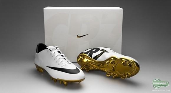 Hoa mắt với đôi giày mạ vàng lấp lánh của Ronaldo ảnh 9