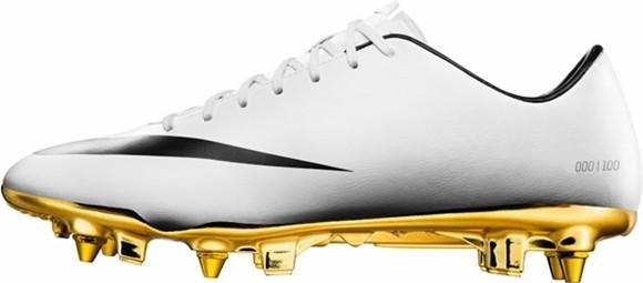 Hoa mắt với đôi giày mạ vàng lấp lánh của Ronaldo ảnh 5