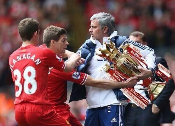 Cười ra nước mắt với ảnh chế Liverpool trượt ngã trước Chelsea ảnh 5