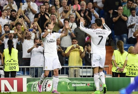 """Real đại thắng """"5 sao"""", Liverpool khởi đầu vất vả ảnh 2"""