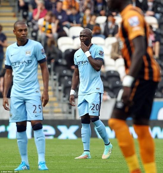 """Lampard ghi bàn """"như điên"""" ở Man City ảnh 2"""