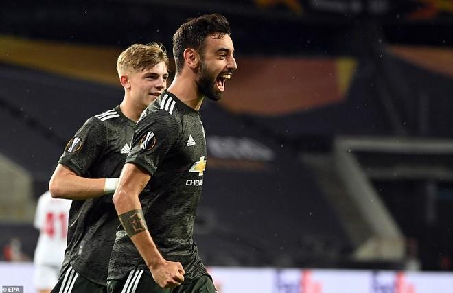 Thua ngược Sevilla, M.U tan mộng vô địch Europa League ảnh 1