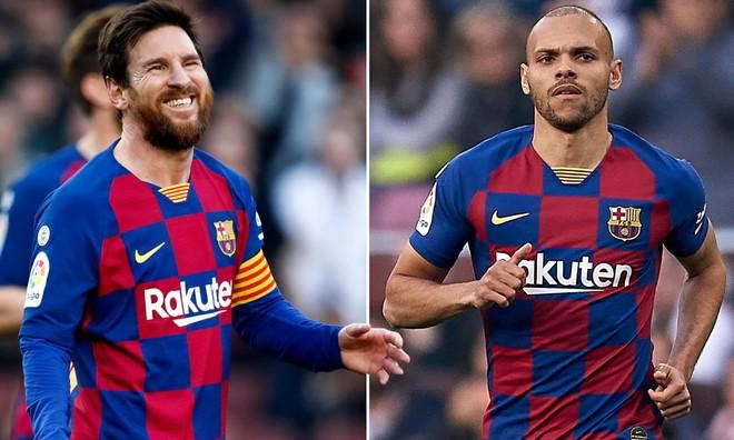 """""""Chân gỗ"""" Braithwaite yêu sách, đòi mặc áo số 10 của Messi ảnh 1"""