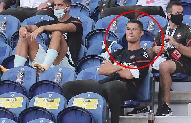 Vì sao Ronaldo không được vào sân trận Bồ Đào Nha 4-1 Croatia? ảnh 1