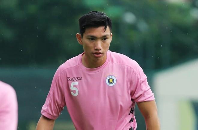Chưa đầy 1 tháng về Hà Nội FC, Đoàn Văn Hậu đã gặp hạn ảnh 1