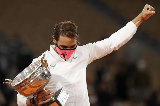 Hạ đẹp Djokovic, Nadal tròn 20 lần vô địch Grand Slam ảnh 2