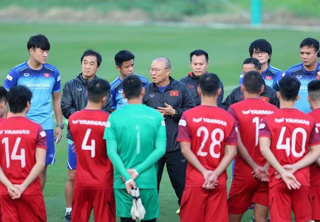 ĐT Việt Nam tập trung ngay trong tháng 11 tới ảnh 1