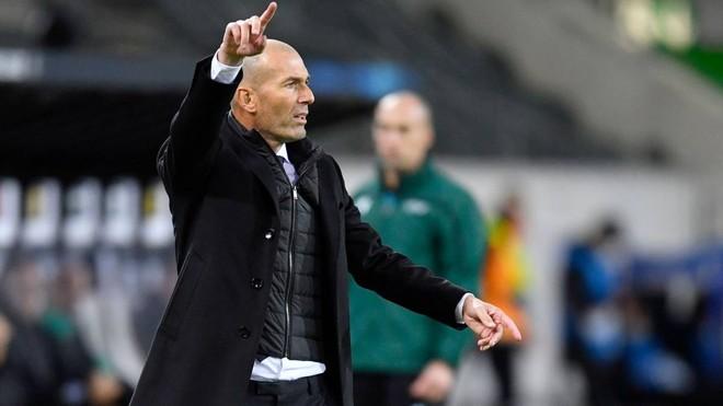 Real Madrid đứng bét bảng, HLV Zidane bào chữa thế nào? ảnh 1