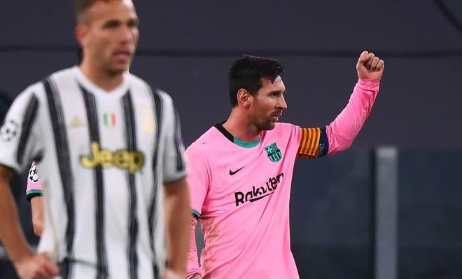 Messi và Barca bắt nạt Juve trong ngày Ronaldo vắng mặt ảnh 1