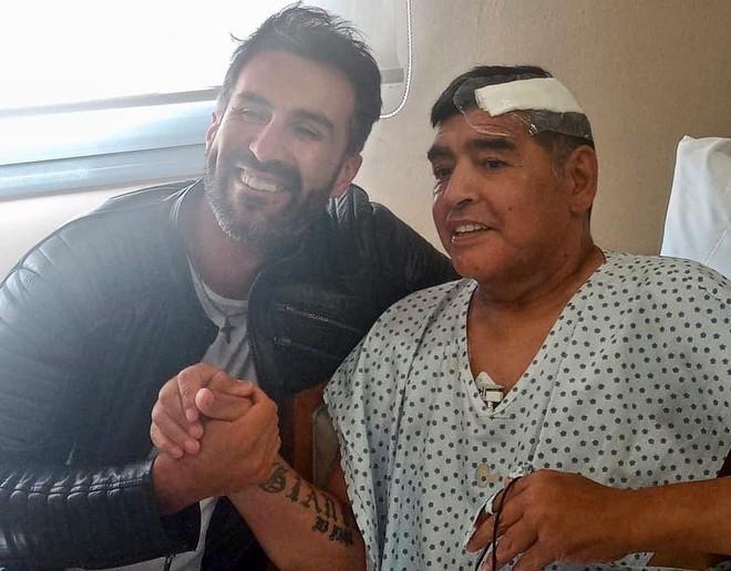 Diego Maradona thoát khỏi 'lưỡi hái tử thần' ảnh 1