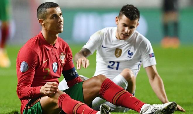 Ronaldo vẫn là cầu thủ nhỏ của những trận đấu lớn ảnh 1