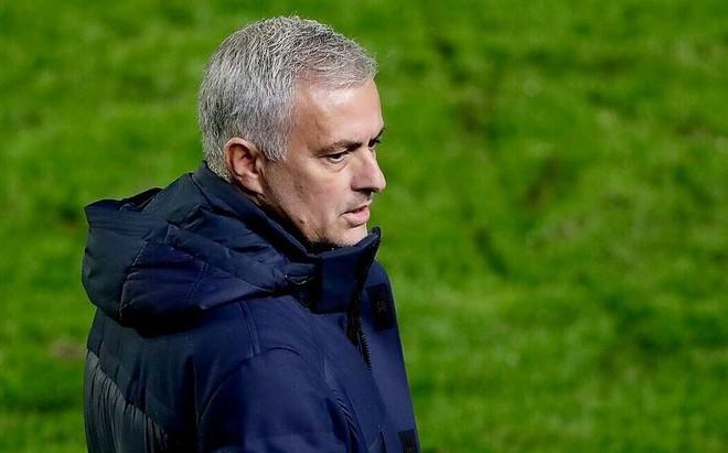 HLV Mourinho mỉa mai hài hước khi học trò nhiễm Covid-19 ảnh 1