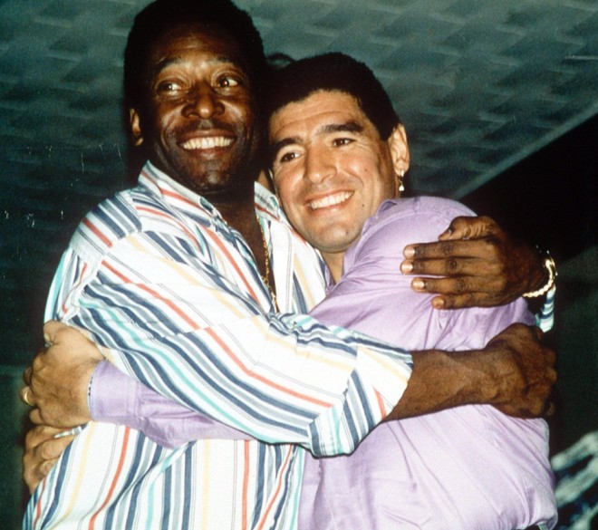Pele vĩnh biệt Maradona, hẹn chơi bóng trên thiên đường ảnh 1