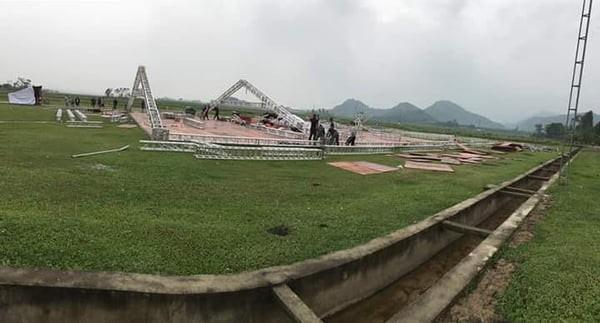 Công Phượng làm đám cưới trên một sân bóng đặc biệt ảnh 1