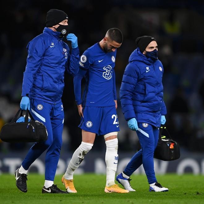 """Ziyech lại chấn thương, CĐV Chelsea sợ anh là """"Robben mới"""" ảnh 1"""