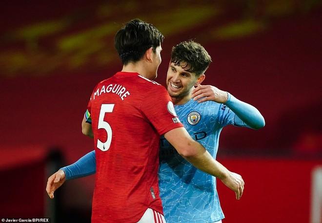 Trận derby Manchester bị chê nhạt nhẽo, èo uột như đá giao hữu ảnh 2