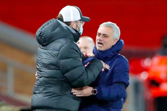 HLV Mourinho cay cú sau thất bại của Tottenham trước Liverpool ảnh 1