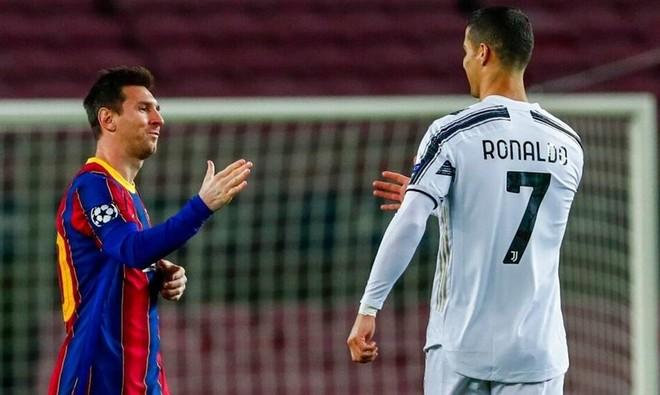 Ronaldo và Messi cùng lập kỳ tích trong một ngày ảnh 1