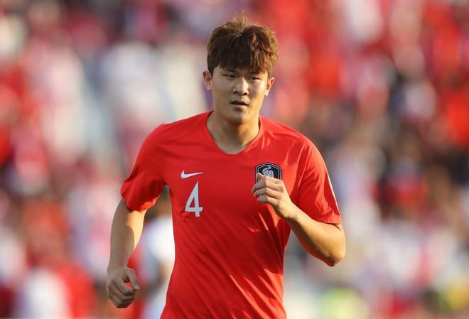 Trung vệ Hàn Quốc cao 1m90 được HLV Mourinho săn đón ảnh 1