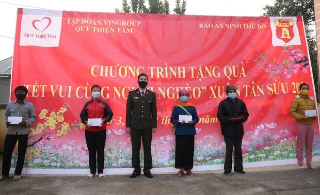 Mang Tết vui đến với đồng bào nghèo ở Lai Châu ảnh 11
