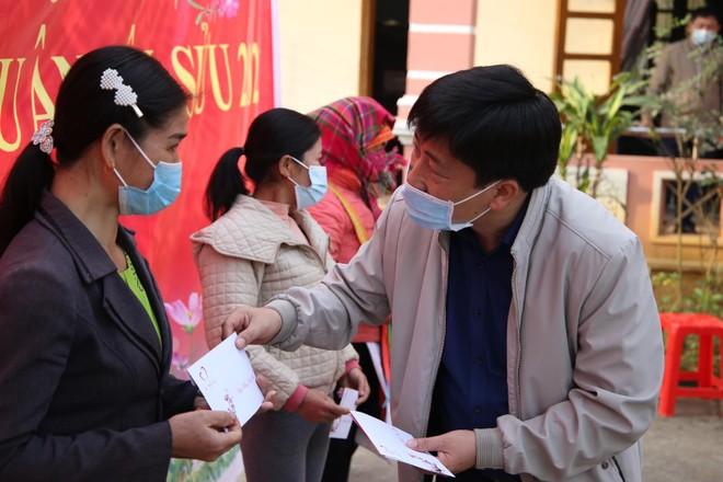 Mang Tết vui đến với đồng bào nghèo ở Lai Châu ảnh 4